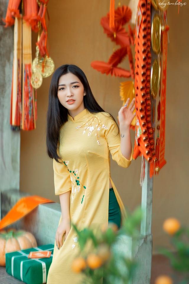 Thiếu nữ xứ Thanh đẹp tựa nàng thơ, dạo bước đón Xuân sớm - 11