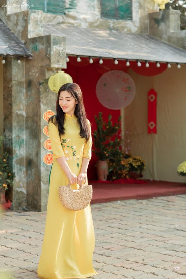 Thiếu nữ xứ Thanh đẹp tựa nàng thơ, dạo bước đón Xuân sớm - 13