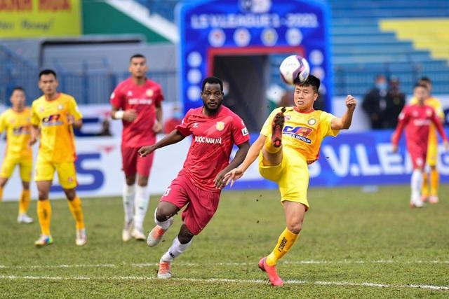 CLB Thanh Hóa thắng đậm CLB Nam Định trong trận cầu không khán giả - 3