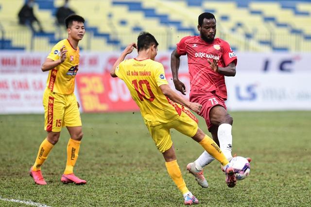 CLB Thanh Hóa thắng đậm CLB Nam Định trong trận cầu không khán giả - 6