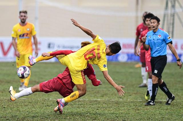 CLB Thanh Hóa thắng đậm CLB Nam Định trong trận cầu không khán giả - 4
