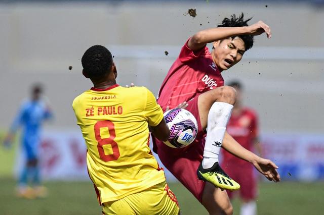 CLB Thanh Hóa thắng đậm CLB Nam Định trong trận cầu không khán giả - 2