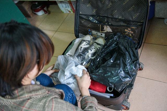 Tránh Covid-19, sinh viên thu dọn đồ đạc về quê nghỉ Tết sớm - 2