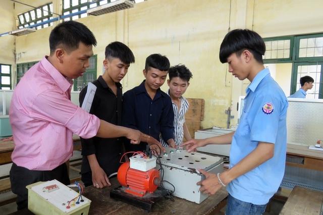 Trường nghề cho học sinh sinh viên nghỉ Tết sớm đề phòng ngừa dịch Covid-19 - 1