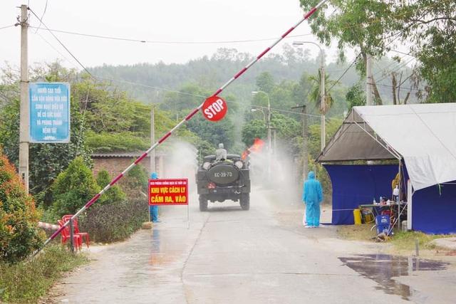 Quảng Ninh: 3 ngày Tết không ca nhiễm, siết chặt phòng dịch tại các di tích - 2