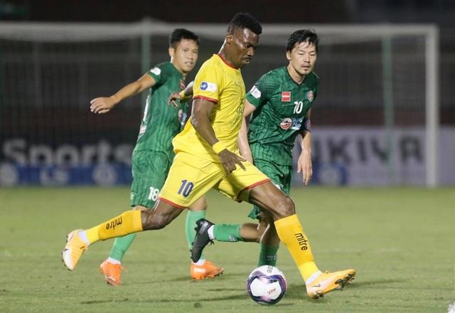 HLV Sài Gòn FC không tiếc lời khen cựu tuyển thủ Nhật Bản - 2