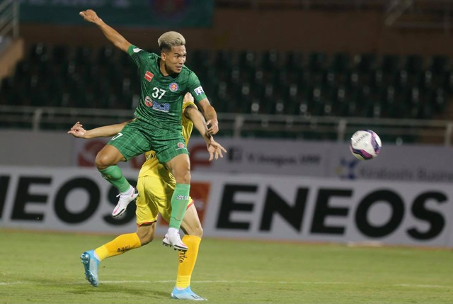 Sài Gòn FC thắng SL Nghệ An trong trận cầu không có khán giả - 1