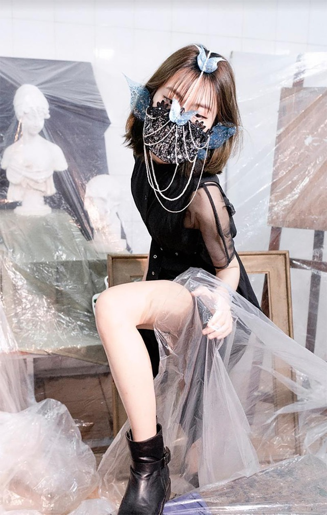 Sinh viên kiến trúc sáng tạo thời trang độc lạ chống dịch Covid-19  - 16
