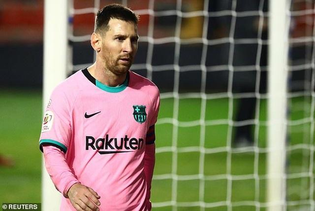 Choáng với số tiền nửa tỷ euro mà Barcelona trả cho Messi trong 3 năm - 1