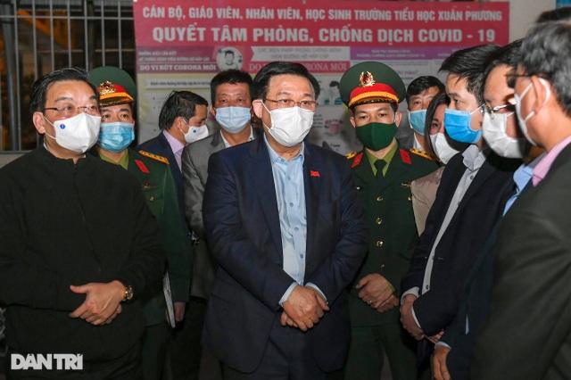 Bí thư Hà Nội Vương Đình Huệ thăm hỏi động viên trường tiểu học Xuân Phương - 2
