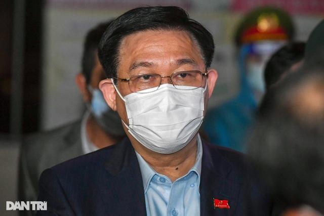 Bí thư Hà Nội Vương Đình Huệ thăm hỏi động viên trường tiểu học Xuân Phương - 3