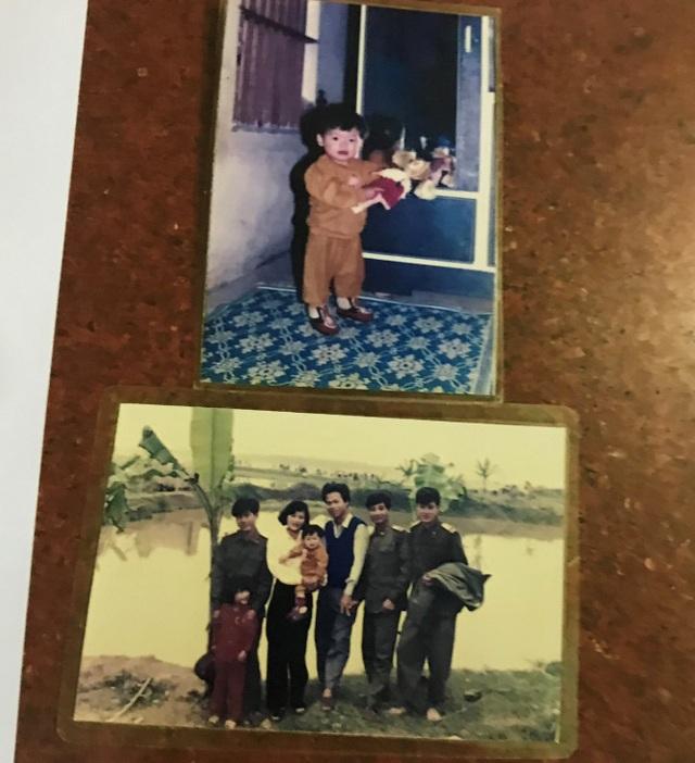 Những bức ảnh mà gia đình ông Nguyễn Tân Phúc chụp từ năm 1994 trên căn nhà và thửa đất của mình. Vì thế ông đề nghị đoàn thanh tra cần làm rõ, công tâm xác nhận thời điểm và quá trình sử dụng đất của gia đình mình đó là mấu chốt của vụ việc.