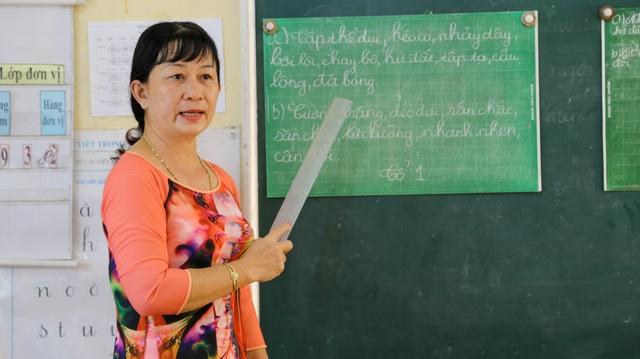Cô giáo  trường làng nhận danh hiệu Nhà giáo Nhân dân - 5