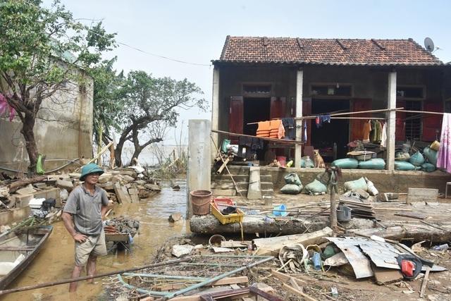 Trích gần 5 tỷ đồng giúp người dân vùng lũ sửa chữa nhà, yên tâm đón Tết - 1