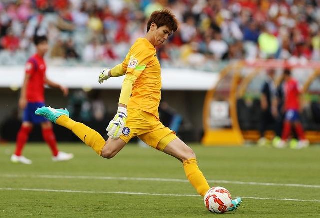 Văn Lâm cạnh tranh với nhiều thủ môn giỏi ở Cerezo Osaka - 2