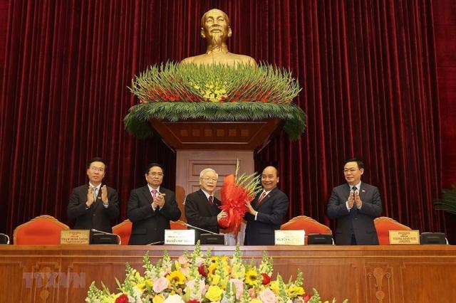Ông Nguyễn Phú Trọng tái đắc cử Tổng Bí thư - 1