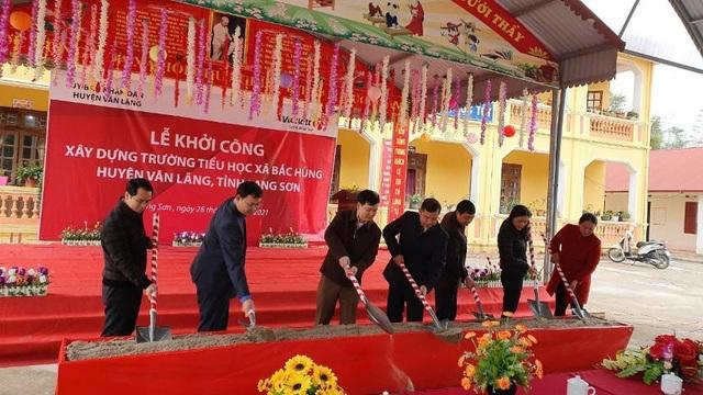 Người chơi trúng Jackpot đầu tiên tại Lạng Sơn ủng hộ thiết bị học tập cho trẻ em - 4