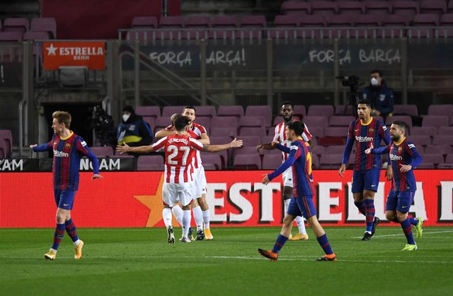 Messi lập siêu phẩm sút phạt, Barcelona soán vị trí của Real Madrid - 7