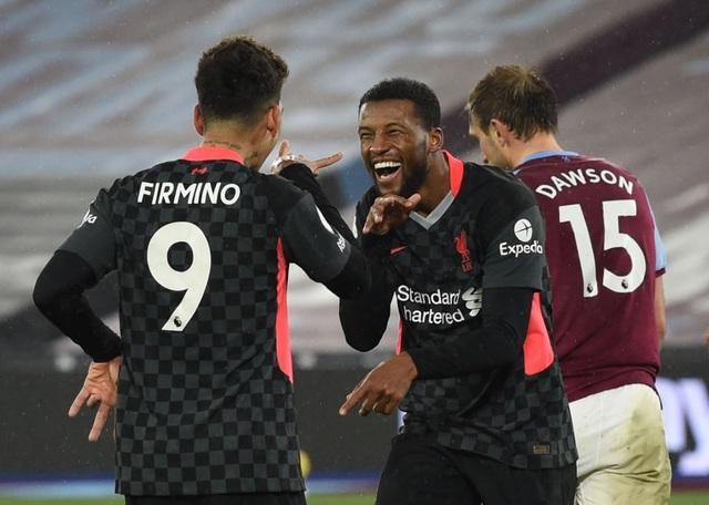 Liverpool áp sát Man Utd, Tottenham tiếp tục thất bại - 1