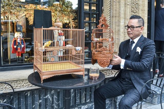 Tay cầm tiền tỷ, đại gia cũng không mua nổi chim ngũ sắc độc nhất Việt Nam - 1