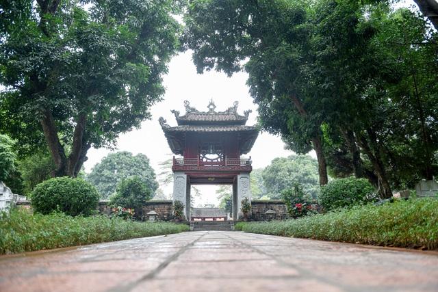 Cảnh vắng vẻ không một bóng người tại các điểm du lịch nổi tiếng ở Hà Nội - 2