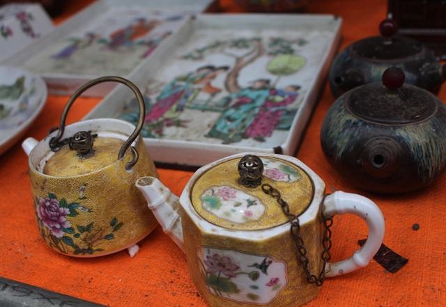 Phiên chợ Tết lạ lùng nhất Hà Nội: Mỗi năm mở 1 lần để bán dao cùn, bát cũ - 3