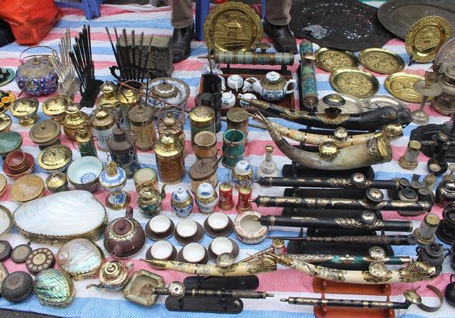 Phiên chợ Tết lạ lùng nhất Hà Nội: Mỗi năm mở 1 lần để bán dao cùn, bát cũ - 15