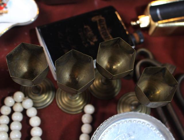 Phiên chợ Tết lạ lùng nhất Hà Nội: Mỗi năm mở 1 lần để bán dao cùn, bát cũ - 14