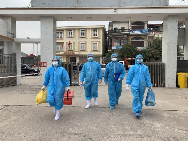 Quảng Ninh cử 200 nhân viên y tế hỗ trợ Bắc Giang đối phó Covid-19 - 1