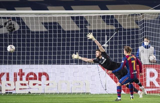 Messi lập siêu phẩm sút phạt, Barcelona soán vị trí của Real Madrid - 9