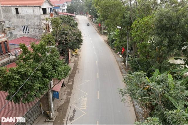 Nhiều người dân tỏ ra ngỡ ngàng khi bị chặn tại chốt cách ly ở Mê Linh - 12