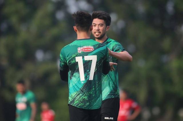 V-League tạm dừng, Lee Nguyễn vẫn tập đến sát Tết - 1