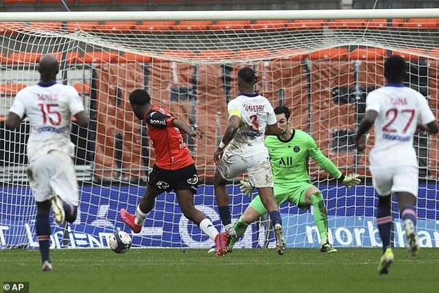 Neymar lập cú đúp, PSG vẫn thua sốc đội gần bét bảng Lorient - 5