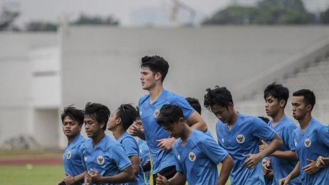Thần đồng Indonesia từ chối thi đấu cho Man Utd - 2