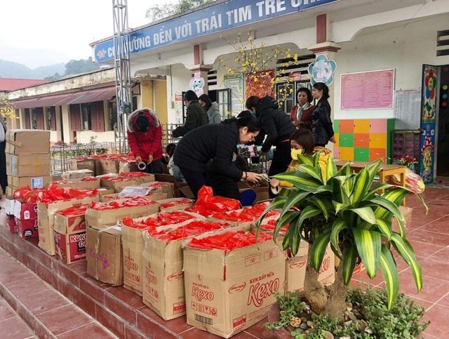 Hà Nội: Trường phổ thông mang tết sẻ chia đến học sinh vùng cao - 1