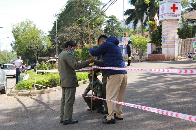 Khoanh vùng, truy vết gần 1.300 người trong Bệnh viện Đa khoa tỉnh Gia Lai - 1