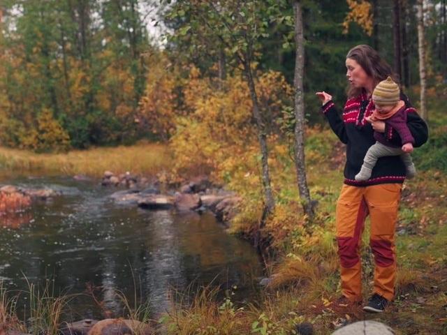 Cuộc sống không điện, nước của gia đình 8 năm ở ẩn trong rừng - 8