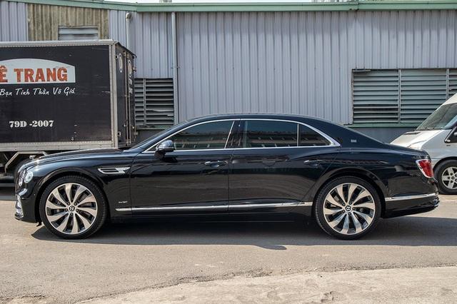 Biệt thự di động Bentley Flying Spur W12 First Edition giá hơn 25 tỷ đồng - 3
