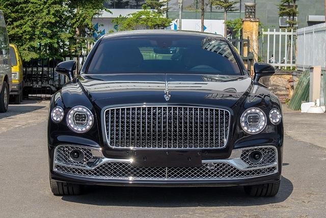 Biệt thự di động Bentley Flying Spur W12 First Edition giá hơn 25 tỷ đồng - 4