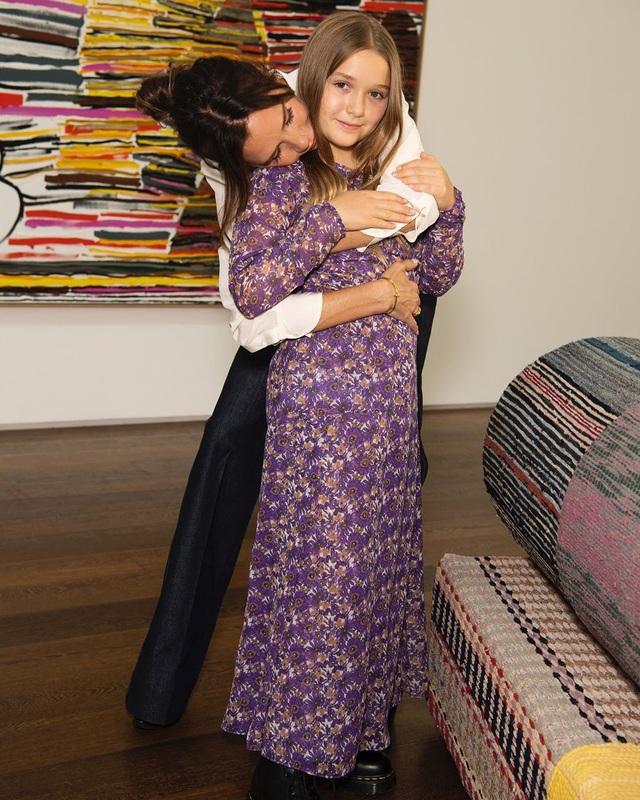 Con gái 9 tuổi của David Beckham đáng yêu với áo crop-top - 5