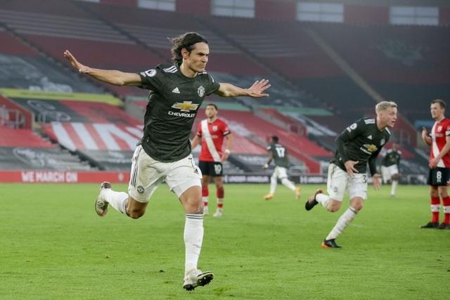 HLV Solskjaer: Cavani sẽ trở lại đối đầu với Everton - 2