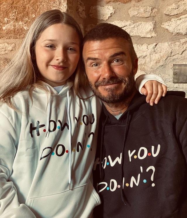 Con gái 9 tuổi của David Beckham đáng yêu với áo crop-top - 6