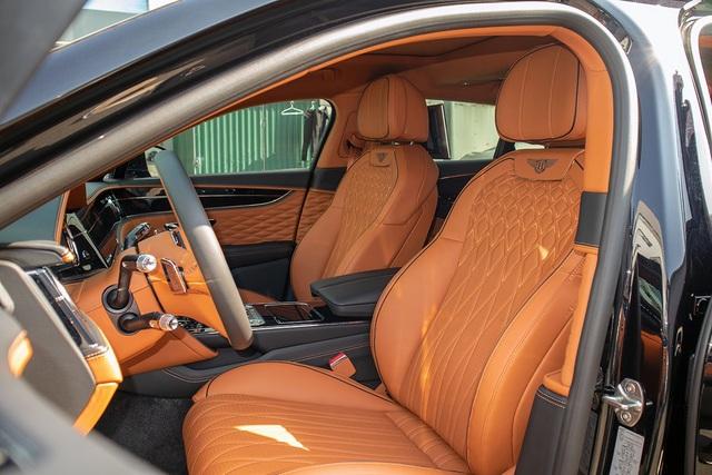 Biệt thự di động Bentley Flying Spur W12 First Edition giá hơn 25 tỷ đồng - 8