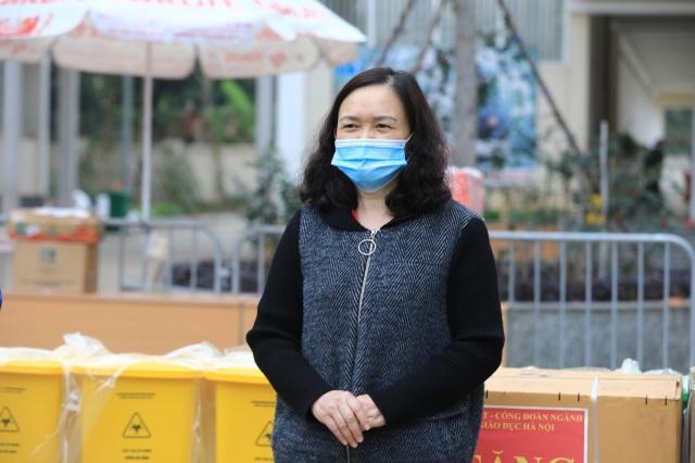Sở GDĐT Hà Nội tặng máy giặt cho khu cách ly Trường tiểu học Xuân Phương - 1