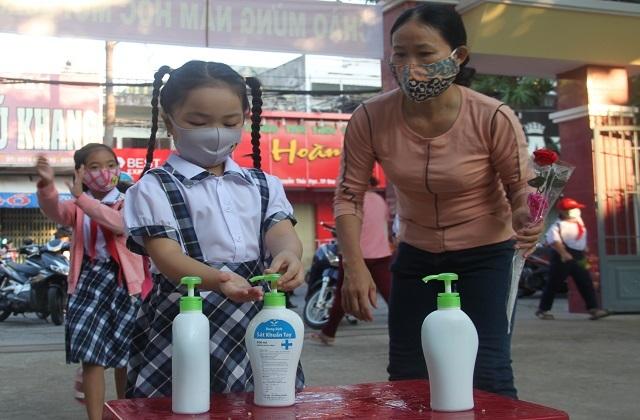 Bình Định: Học sinh toàn tỉnh nghỉ học từ ngày 3/2 để phòng dịch Covid-19 - 1