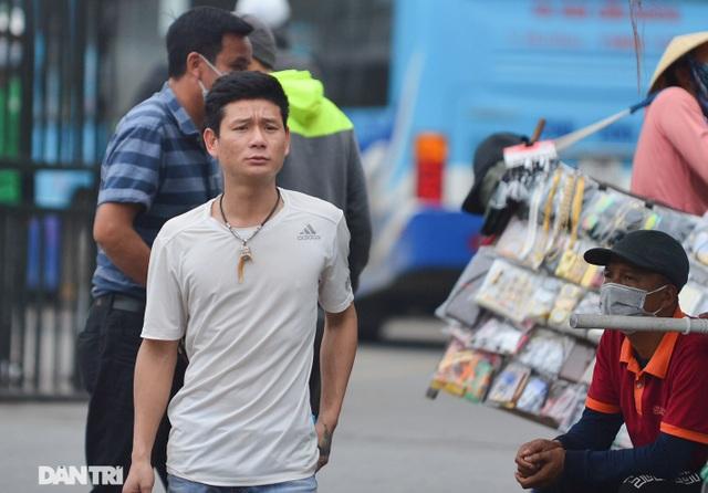 Người dân ở Hà Nội lơ là phòng dịch, không đeo khẩu trang tụ tập đông người - 10