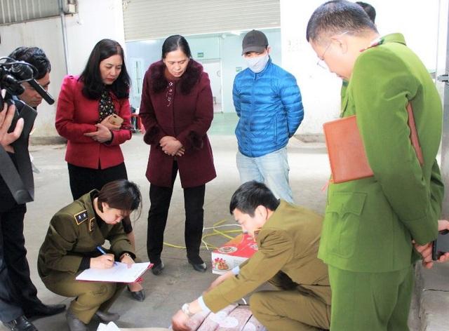 Ninh Bình, Hòa Bình xử phạt hàng loạt cơ sở vi phạm an toàn thực phẩm - 1
