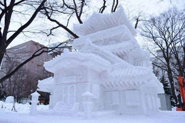 Những công trình băng tuyết kỳ vĩ ở lễ hội tuyết lớn nhất Nhật Bản - 1