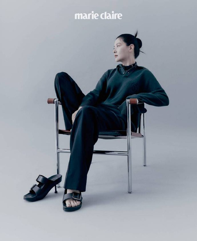 Fan ngất ngây với loạt ảnh xinh xuất sắc thời trẻ của Lee Young Ae - 22