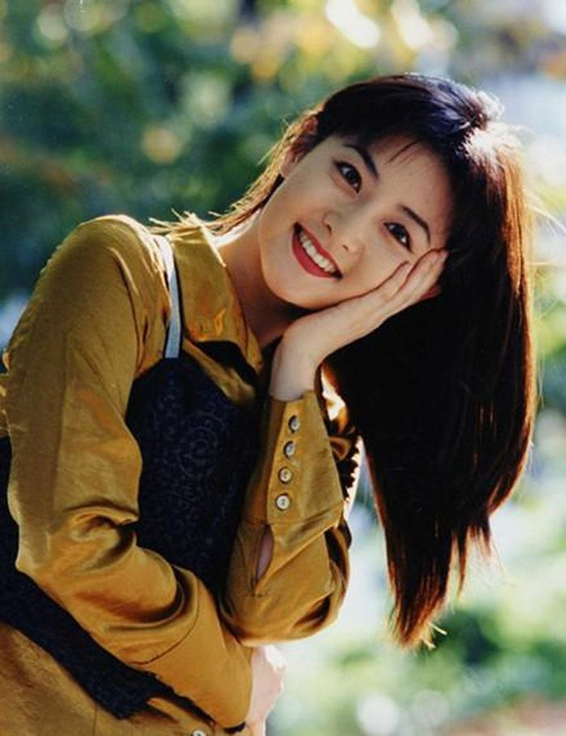 Fan ngất ngây với loạt ảnh xinh xuất sắc thời trẻ của Lee Young Ae - 4